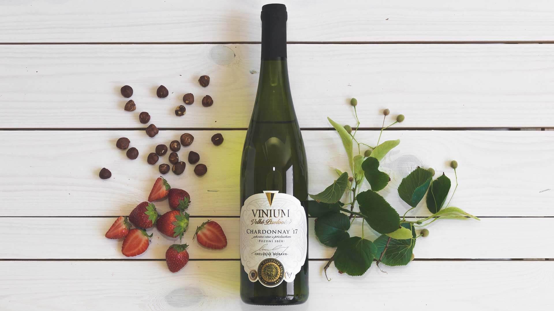 Chardonnay 2017 polosladké, pozdní sběr, VINIUM Exclusive