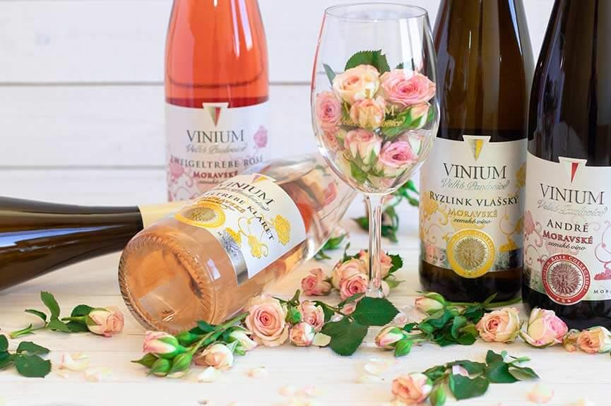 Dekorativní foto, zemské víno, Rose Collection – VINIUM Velké Pavlovice