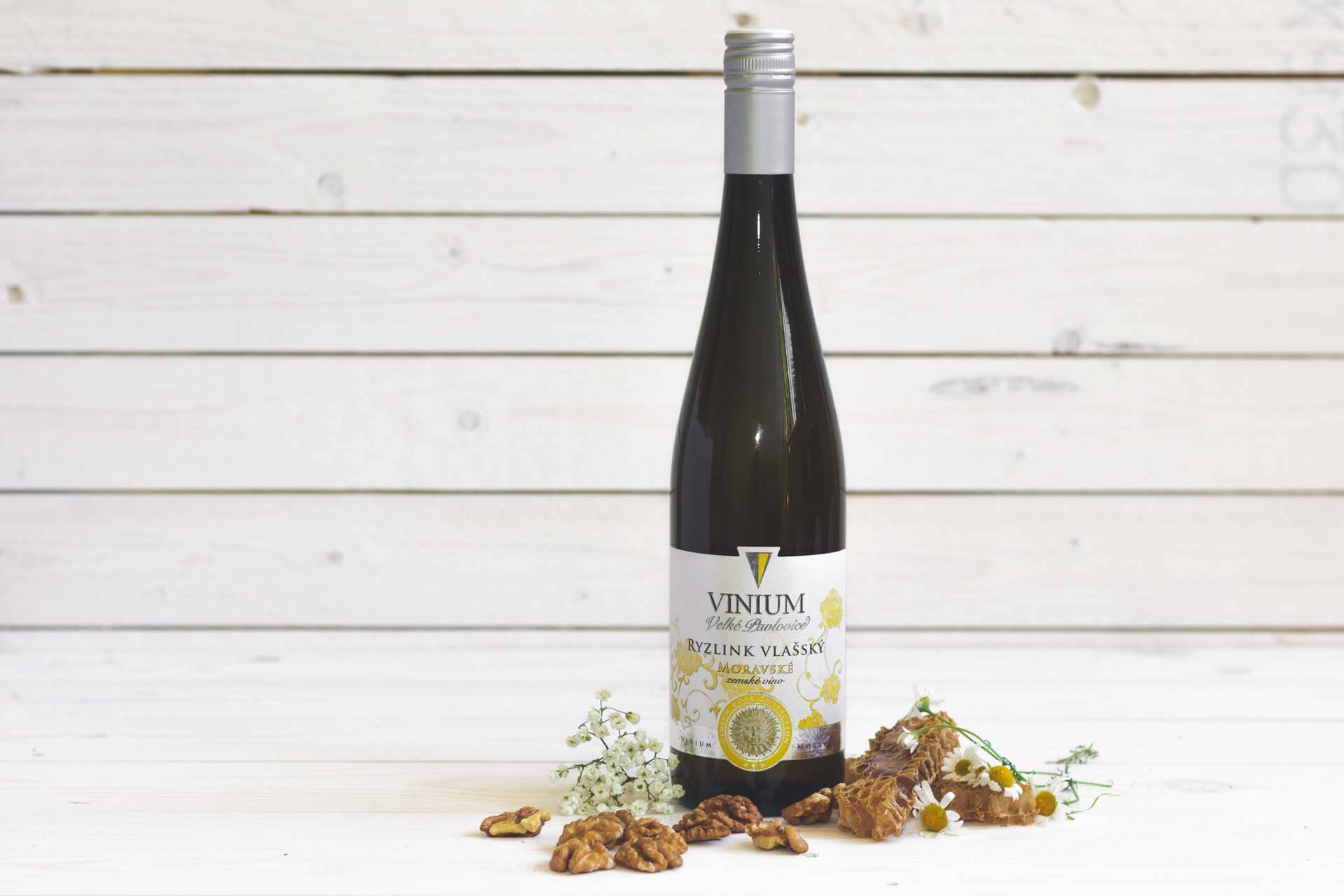 Fotka k článku 2, Ryzlink vlašský, bílé víno, moravské zemské víno, VINIUM