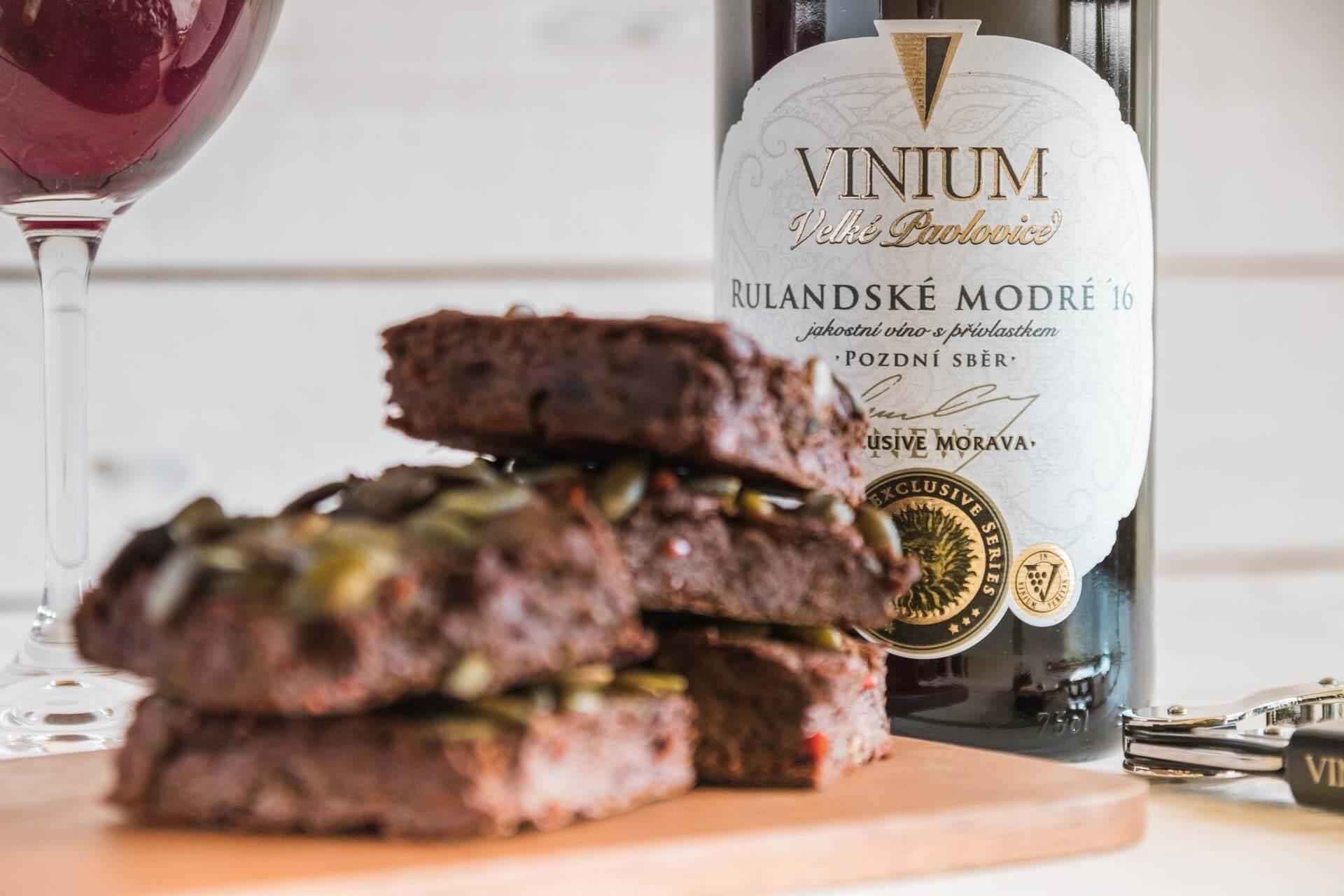 Foto k článku 2, Dýňové brownies, recept brownies, Rulandské modré – VINIUM Velké Pavlovice
