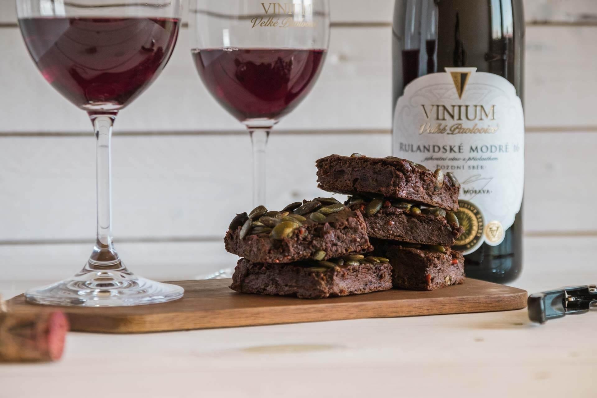 Foto k článku 1, Dýňové brownies, recept brownies, Rulandské modré – VINIUM Velké Pavlovice