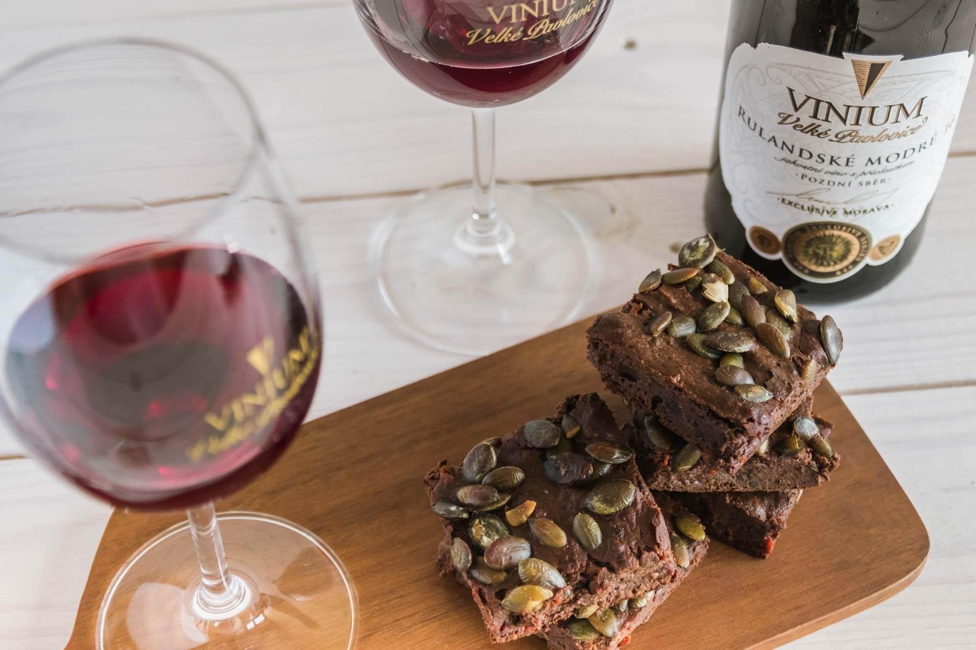 Foto k článku 3, Dýňové brownies, recept brownies, Rulandské modré – VINIUM Velké Pavlovice