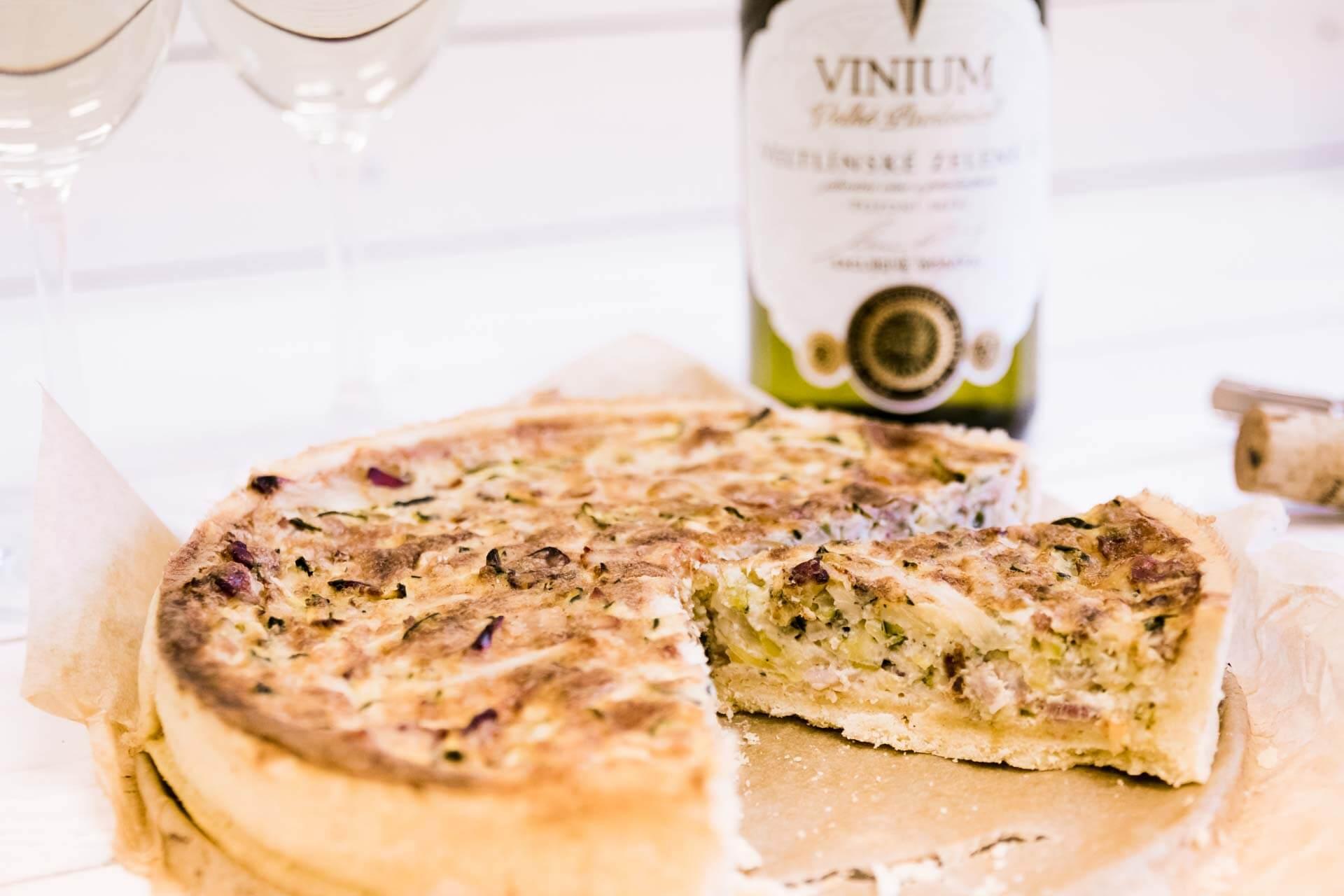 Foto ke článku 3, recept quiche, slaný koláč, Veltlínské zelené, VINIUM