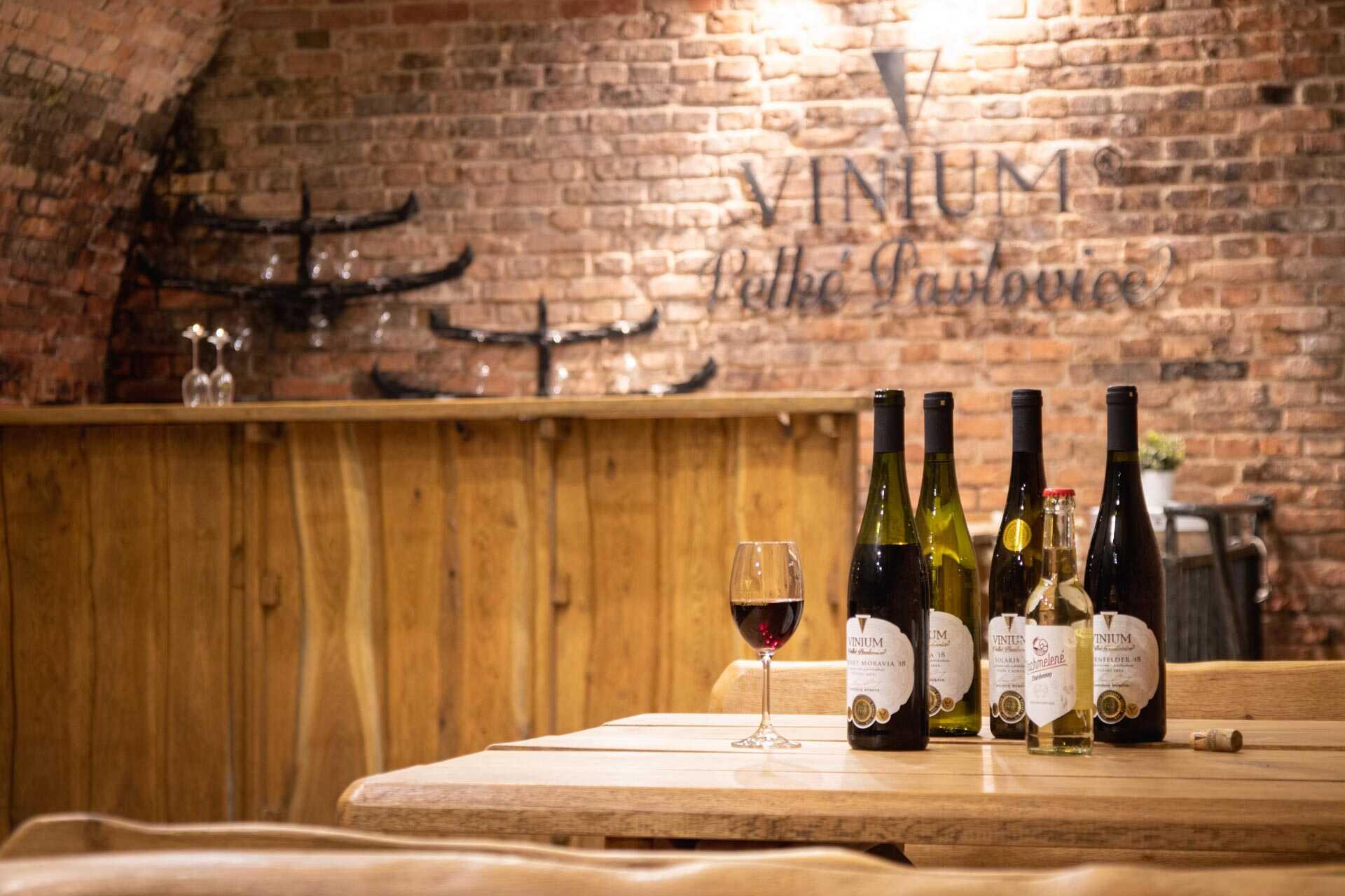 degustace VINIUM, víno, vinný sklep, sklípek
